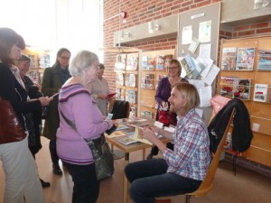 Litteraturrundan i Valfisken (biblioteket i Simrishamn). Första författaren som framträdde var Pontus Lindh, som läste ur Simrishamnsdikten mfl
